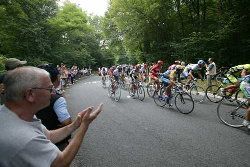 Why is tour de france so popular